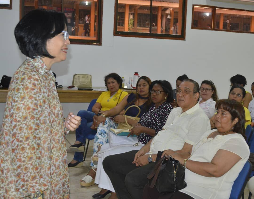 Cecilia Morales, directora de Calidad Educativa de la Secretaría de Educación, en la apertura del programa, en el auditorio de la IE Soledad Acosta de Samper.